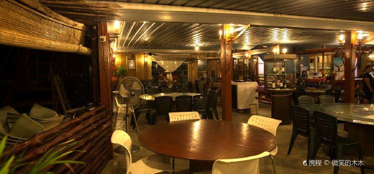 Kapal Layar Restaurant1