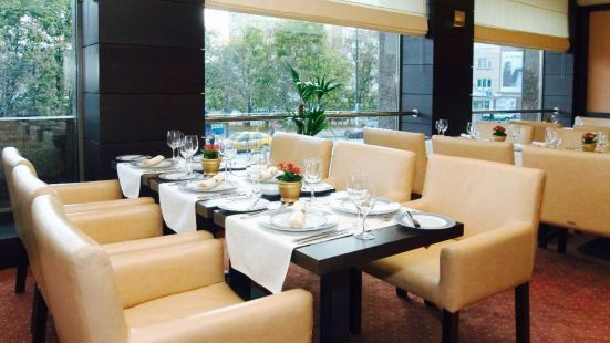 Restaurant 106