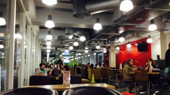 4W Café
