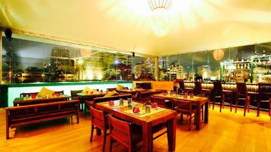 Leapfrog Restaurant and Bar