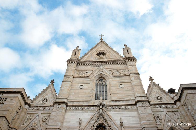 拿坡裡主教大教堂1