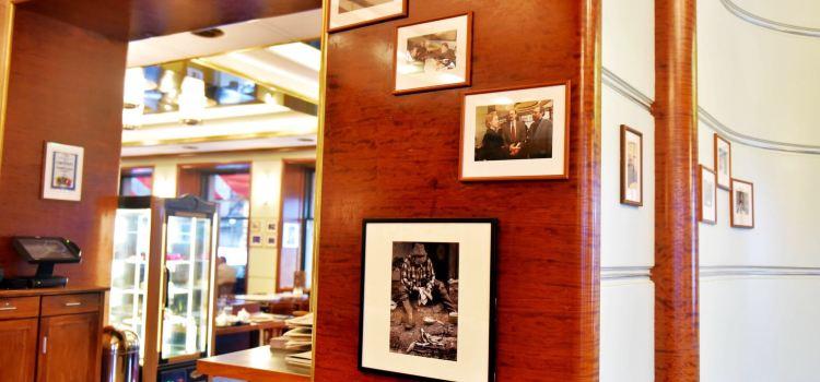 Cafe Slavia1
