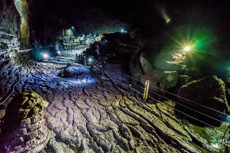 Manjanggul Cave2