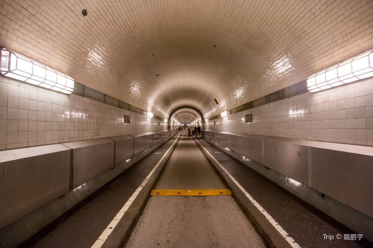 Alter Elbtunnel1