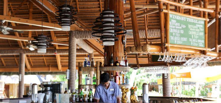 Fridays Restaurant and Bar1