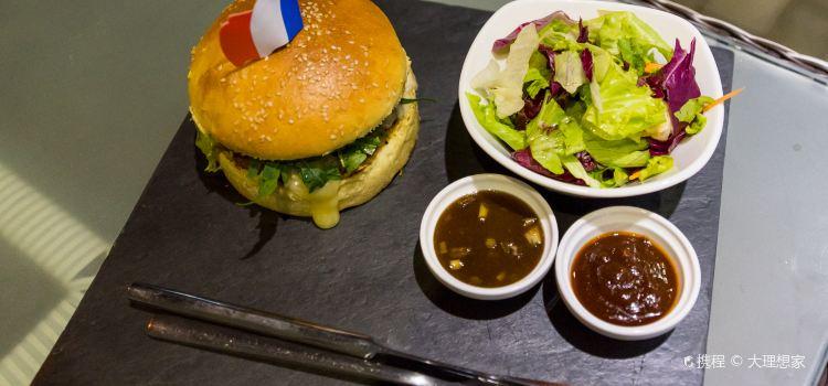 Cousin's Burger & Coffee3