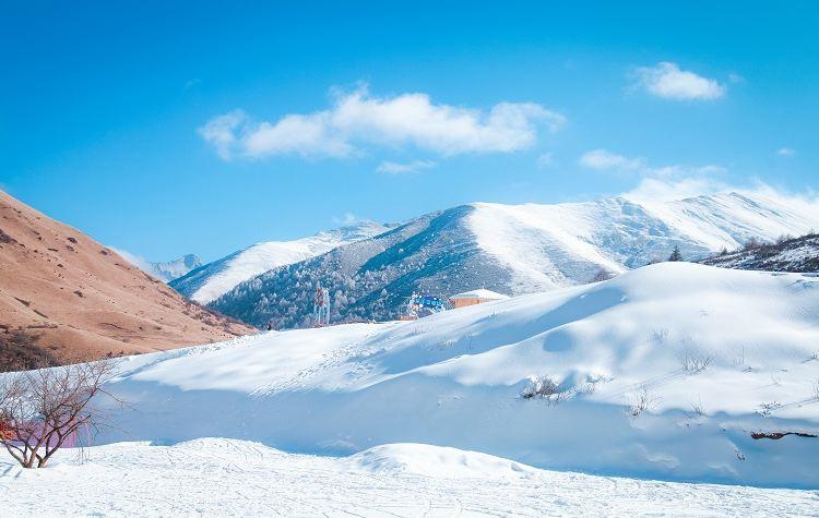Zhegushanzirangongyuan Ski Field1