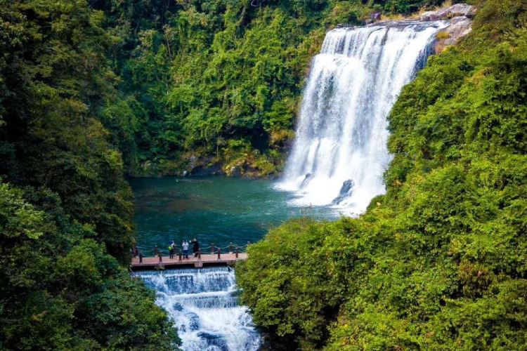 Huang Manzhai Waterfall1