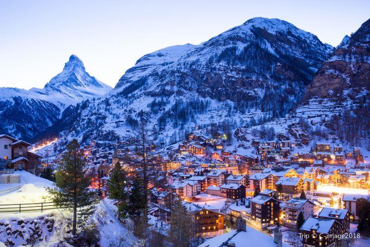 Zermatt Ski Areas2