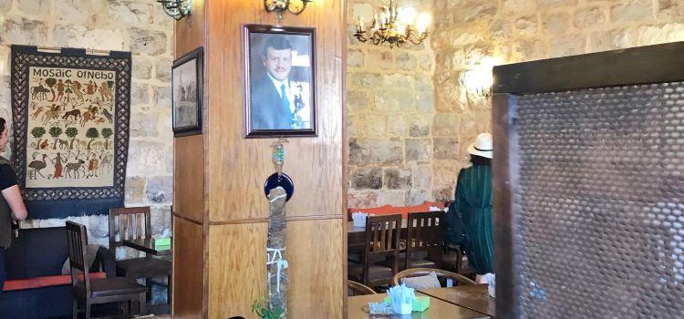 Ayola Cafe1