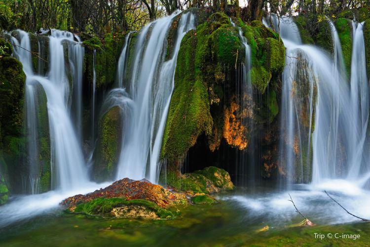 諾日朗瀑布4