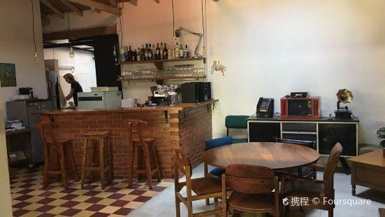 Café Cliché