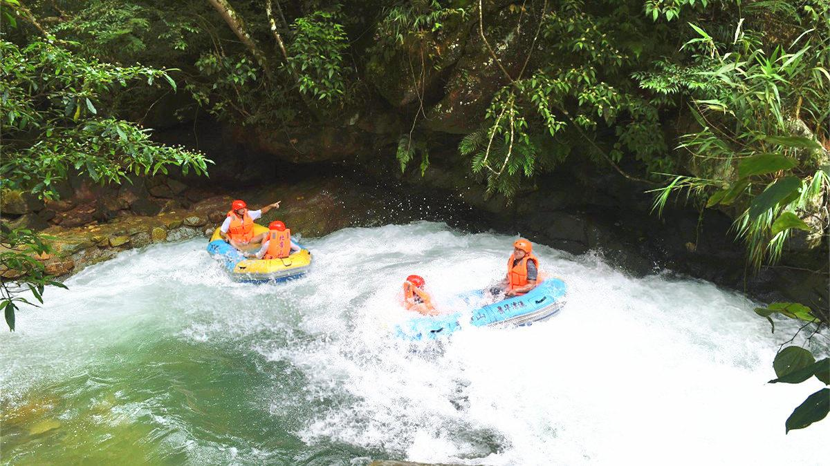 Rafting Beidishan Canyon