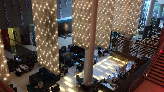 Ford's Filling Station - The JW Marriott Los Angeles at L.A. LIVE