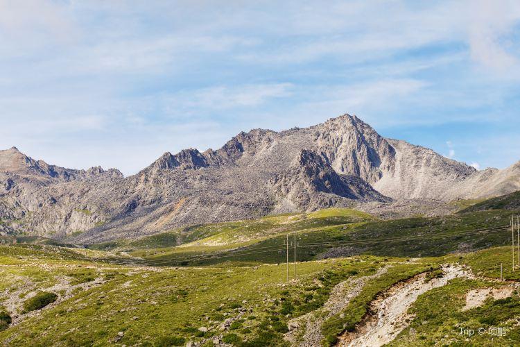 Zheduo Mountain1