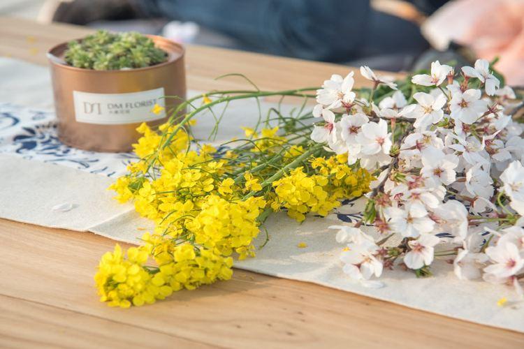 구바이두 초원 꽃밭1