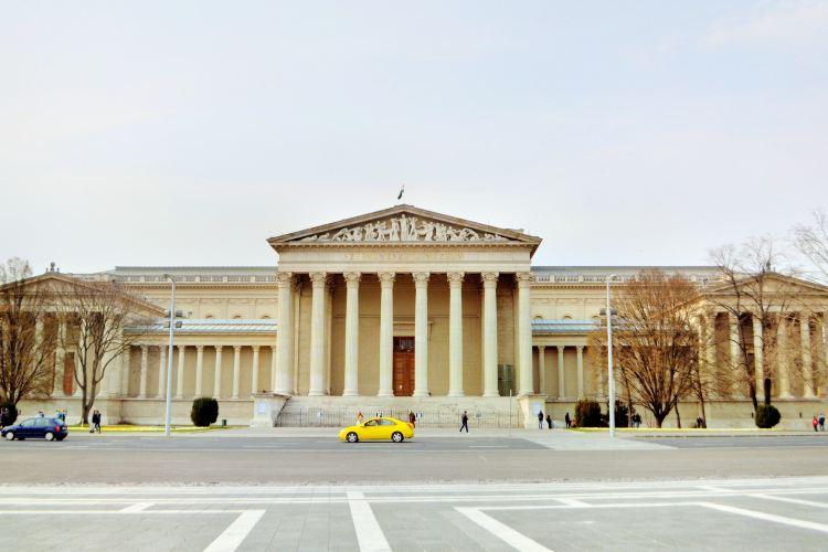 ハンガリー国立美術館