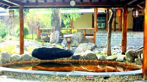Huashan Yu Hot Spring