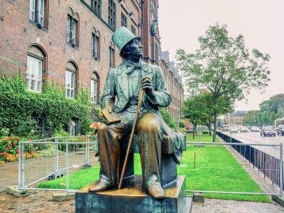 Statue of Hans Christian Andersen