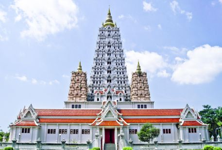 Wat Yanasangwararam Woramahawihan