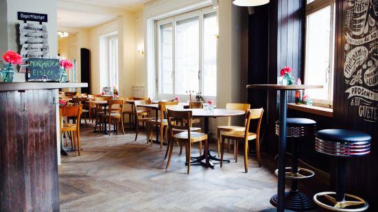 Morgarten Bar & Resturant