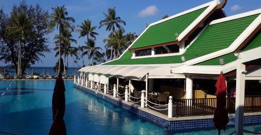 Pakarang Restaurant - Le Meridien Phuket Beach Resort