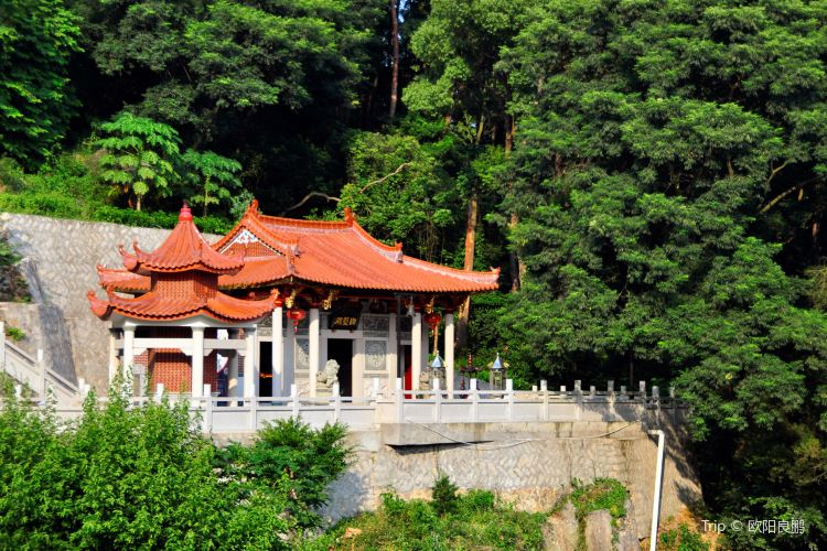 Xuefeng Temple1