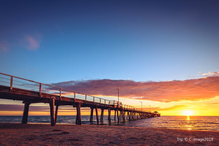 Henley Beach1