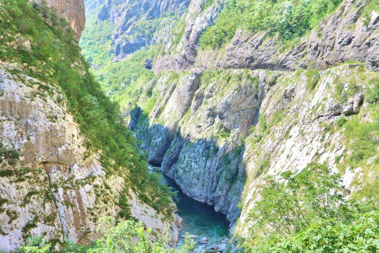 Morača River 峽谷