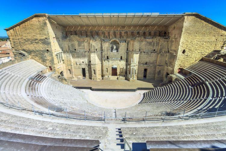 オランジュ古代劇場