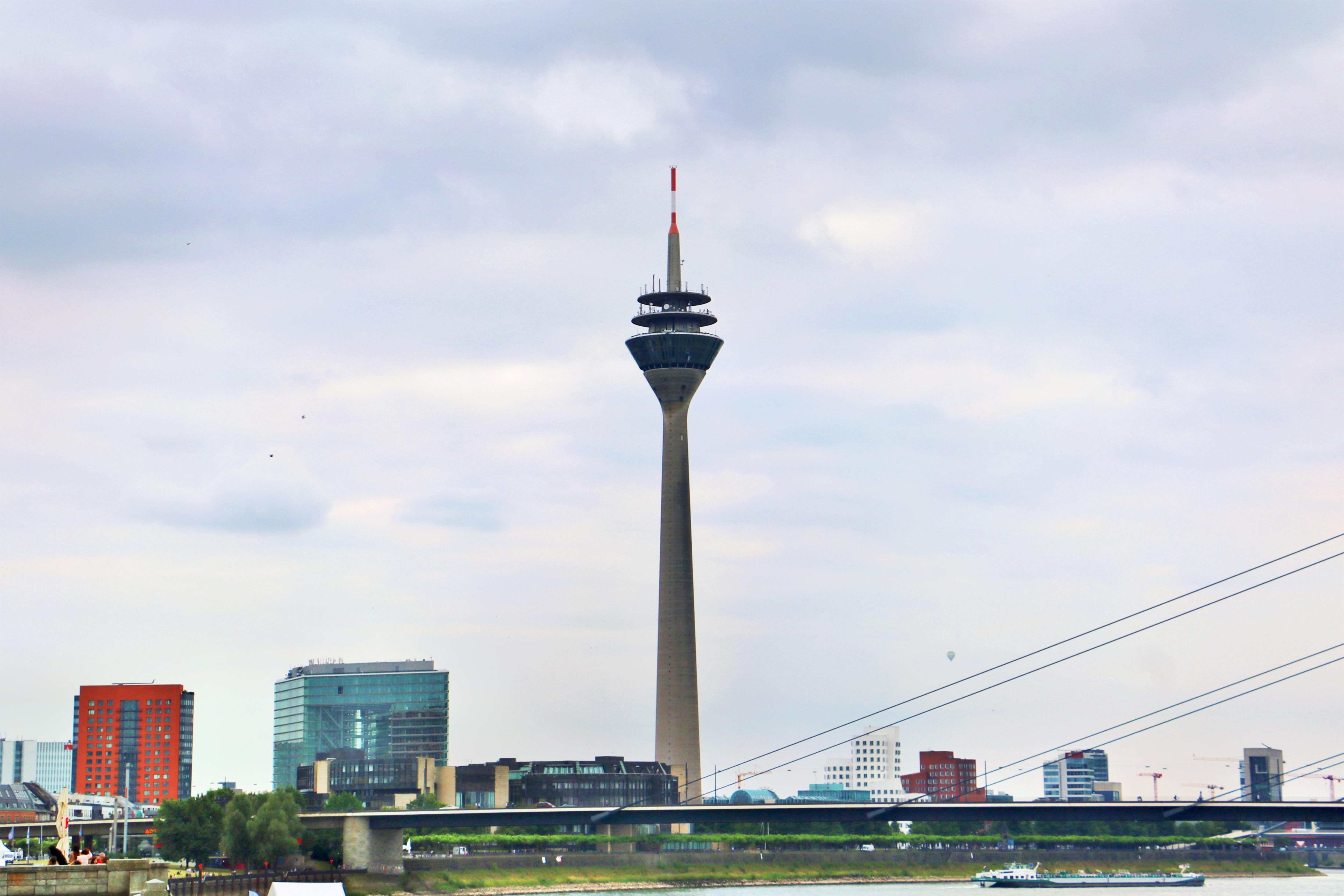 萊茵電視塔