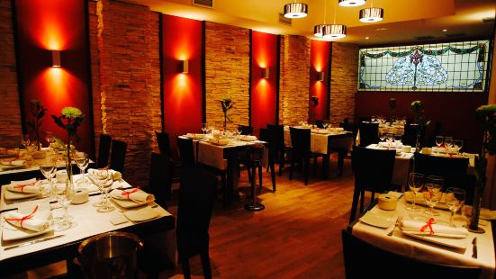 Apolo Cafe & Restaurante