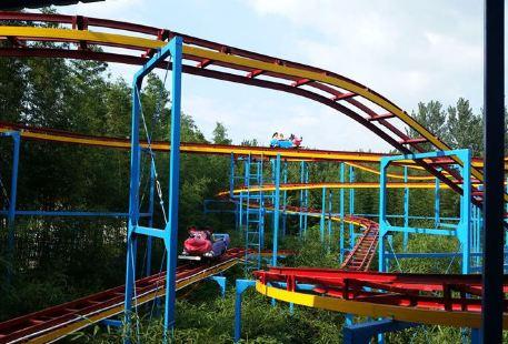 Qiqiaobanhuan Amusement Park