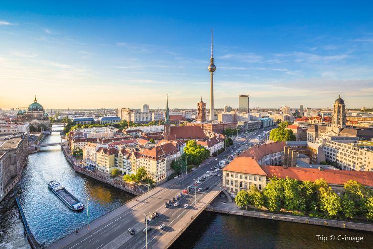 Berlin TV Tower (Fernsehturm)2