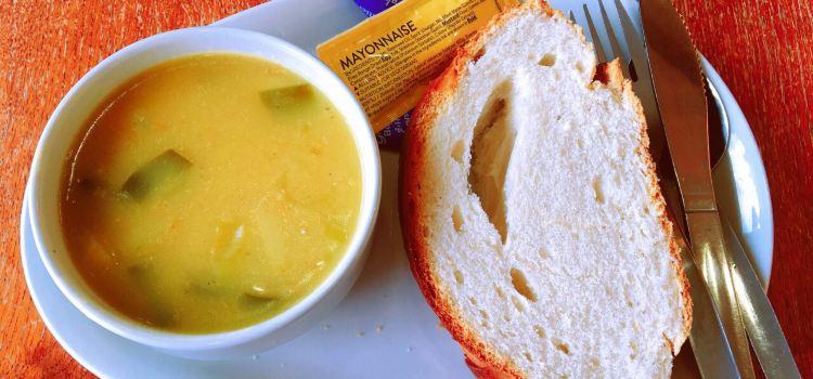 Restaurant at Eilean Iarmain1