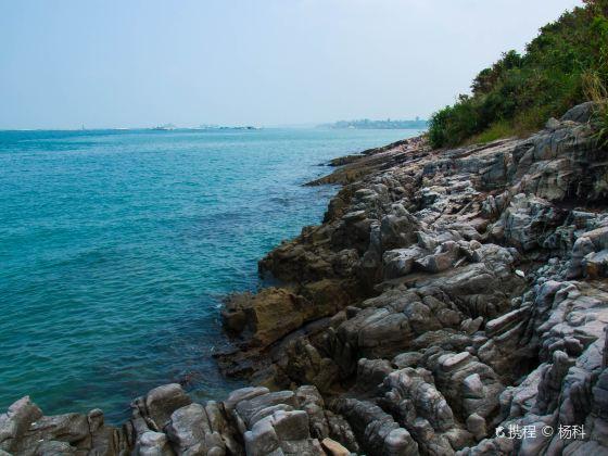 Fangchenggang Guaishi (Strange Stones) Beach