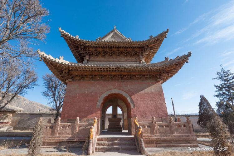 Qutan Temple2