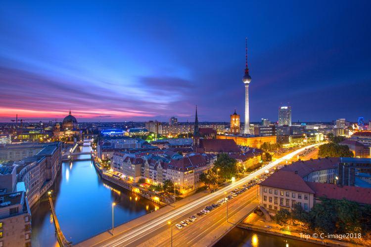 Berlin TV Tower (Fernsehturm)3