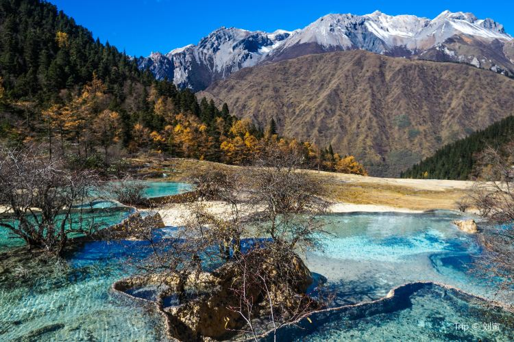 Huanglong Scenic Area2
