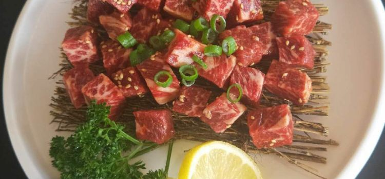 牛小鮮炭火烤肉