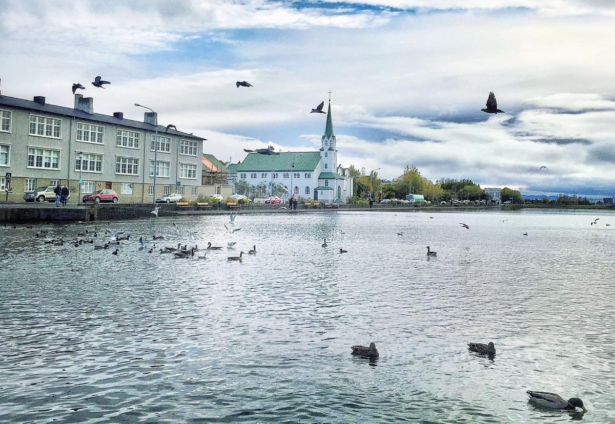 Lake Tjornin