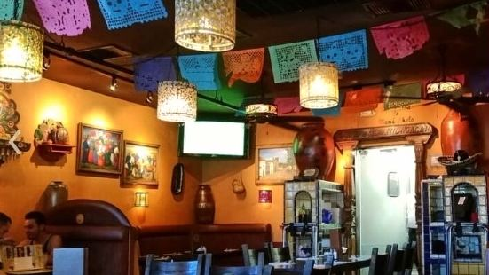 Lindo Michoacan(Desert Inn)