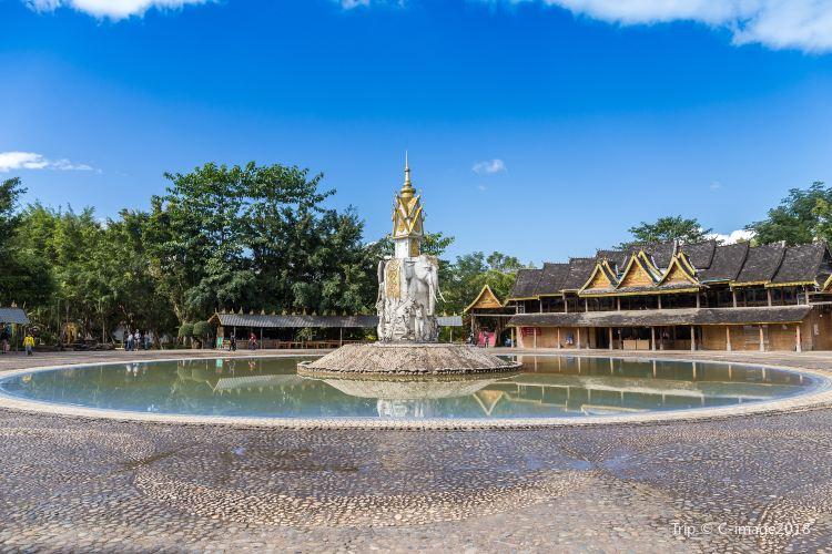 Xishuangbanna Dai Minority Park4
