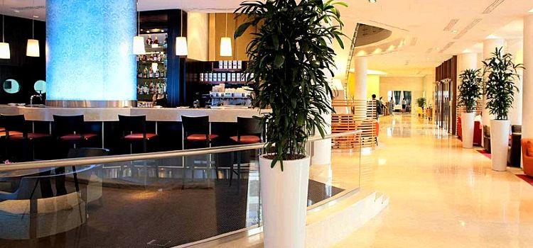 Piano Bar & Lobby2