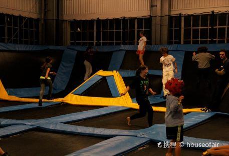 Trampoline Center Flip & Fly