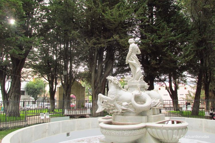 Plaza del Monticulo4