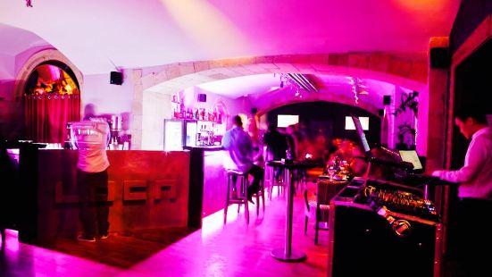 Loca restaurant & cafe bar