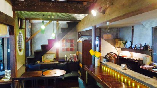 Cafe & Bar Morikuni