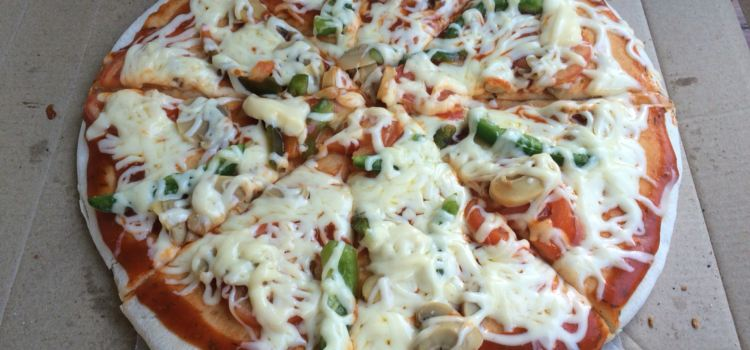 Lola's Pizza2