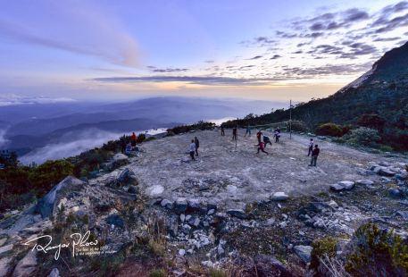 키나발루 산
